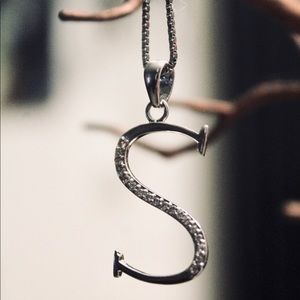 Jewelry - Initial s necklace
